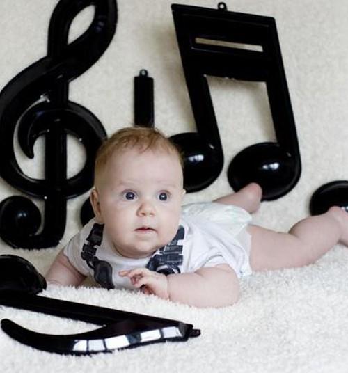 Beebi avastab maailma: Mis on beebikool ja millal on selleks õige aeg?