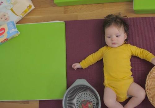 Beebi areng neljandal elukuul | HUGGIES®