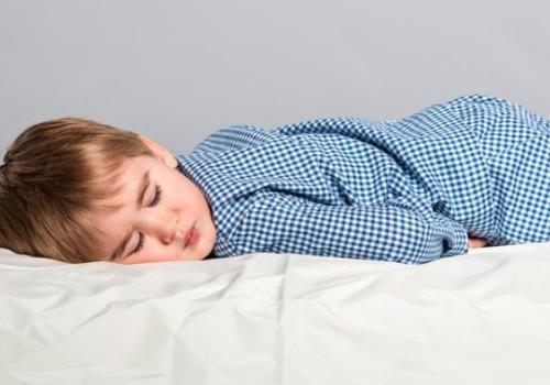 Kuidas ööseks sõbra juurde minnes voodimärgamisega toime tulla?