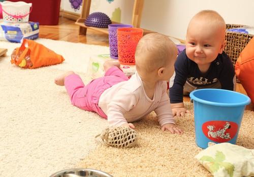 Huggies® Imede Tuba: mis toimub lapse arengus 5-8 kuu vanuselt.