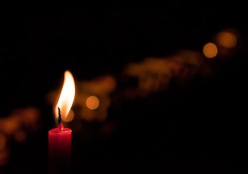 Raskes avariis hukkus kolme last kooli ja lasteaeda transportinud ema