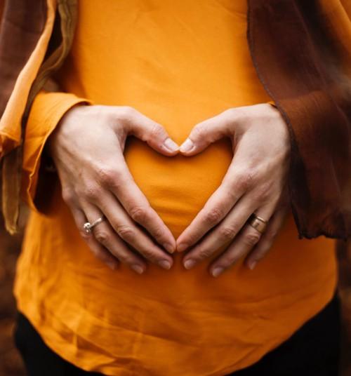 Valitsuse eelnõu toob lapseootel emadele ja lasterikastele peredele positiivseid maksumuudatusi