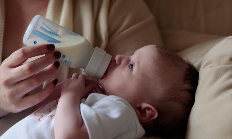 Kas mul on ikka piisavalt piima? Kõik, mida peaksid teadma rinnapiima pumpamisest