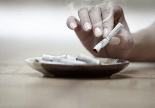 Suurbritannias keelati tõeliselt ohtlik tegevus - lastega autos suitsetamine