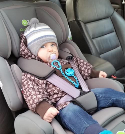 Lasnamäel jäi laps autosse kinni