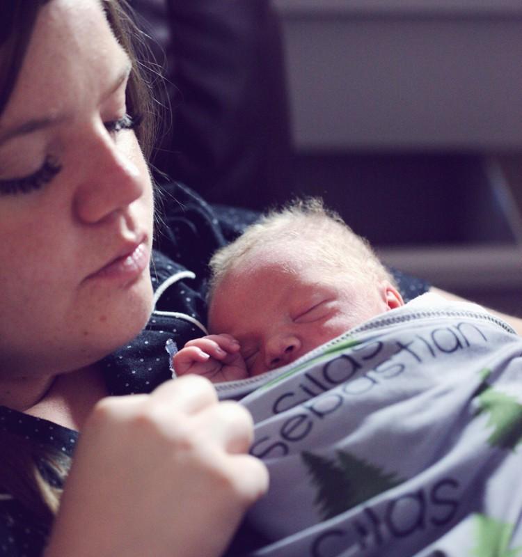 Vanemahüvitise ja teiste peretoetuste saamine muutus oluliselt lihtsamaks