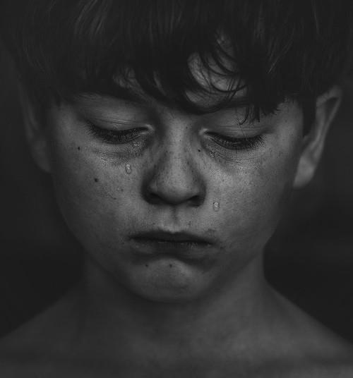 Eestis väärkoheldakse iga päev vähemalt ühte last