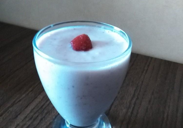 Minu tervislik retsept: maasika-mandli smuuti