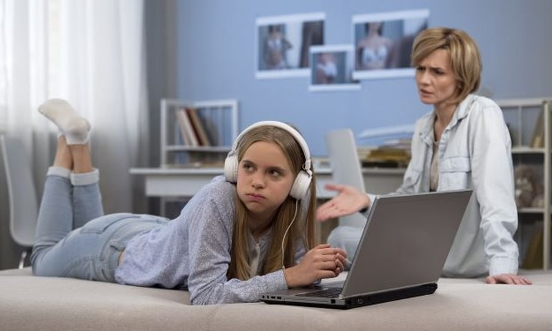 Tasuta videoloeng vanematele, kelle laps on jõudmas teismeikka