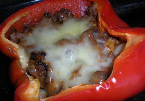 Täidetud paprika seentega