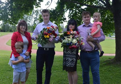 Tavaline Eesti pere, teistmoodi emakeel
