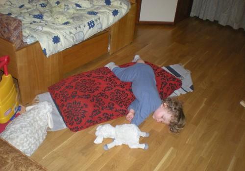 PÄEVA MÄNG: Parimad magamisasendid