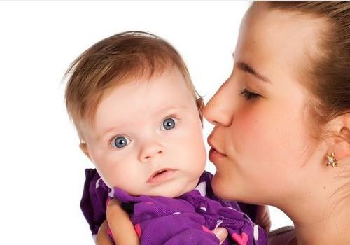 FOTO: Emmede Klubi emad eelistavad Huggies® niiskeid salvrätikuid!