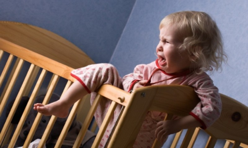 Kuidas harjutada laps oma voodis magama?