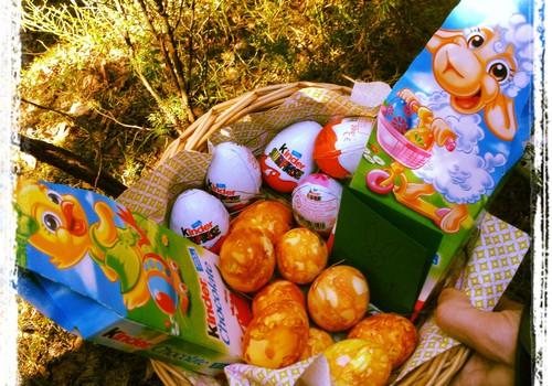 Kuidas värvida mune ja mida poetada lihavõttejänese korvi sisse