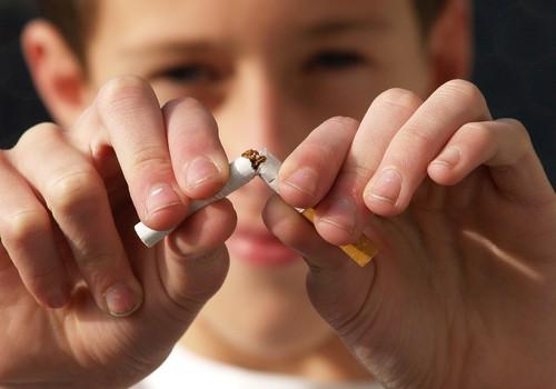 Traditsioon Portugalis - lastel lubatakse jõulude ajal sigarette suitsetada!