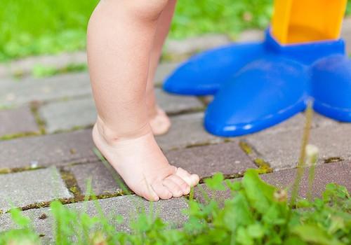 Suvi on lapse jalgade ja keha arenguks ideaalne aeg!