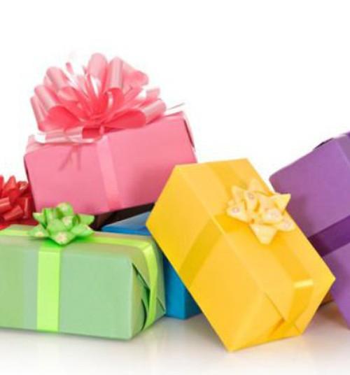 Kuidas rääkida lapsega kallimatest ja odavamatest kingitustest?