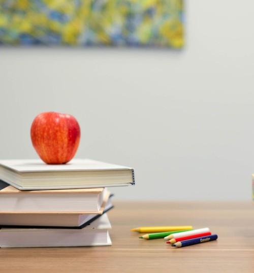 Millal on laps koolivalmis? Kuidas peatselt kooli minevat last toetada?
