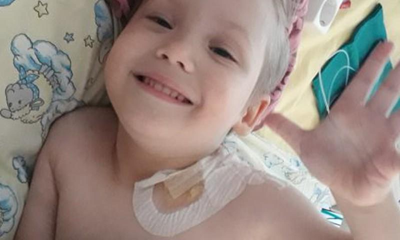 Väike Kris vajab heade inimeste abi operatsioonile pääsemiseks