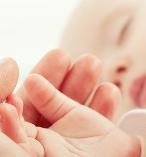 Neli kasulikku nõuannet gaasivaludega beebi emale