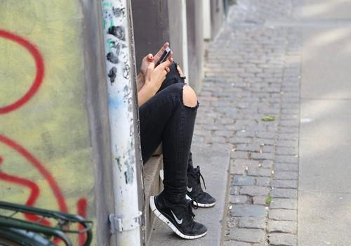 15-aastane koolipoiss pani kokku 13-aastaste Eesti tüdrukute alastipiltide kogu
