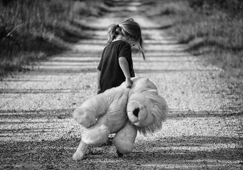 Laps ei vaja suurt maja või idüllilisi elamistingimusi, laps vajab oma vanemaid