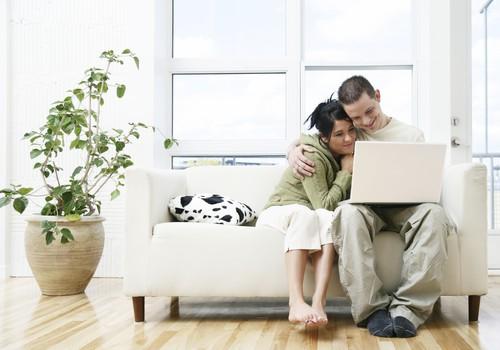 Kas lapsega kodus olles võib tööd teha ja riiklikele hüvitistele lisaks tulu teenida?