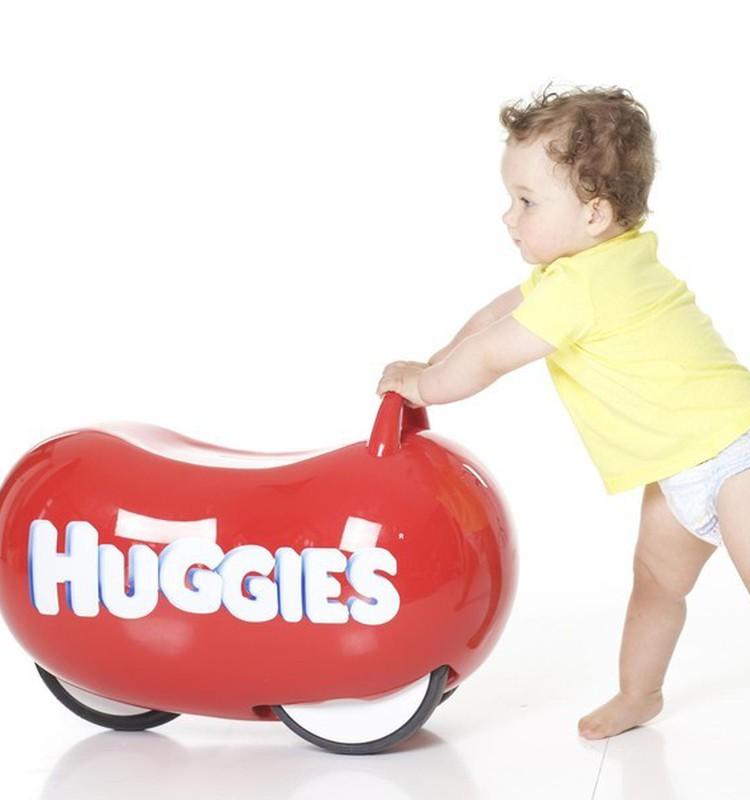 Mida on vaja teada perioodist, mil beebi hakkab roomama, käputama ja kõndima?