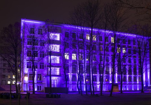 Ees ootab ilus õhtu - täna värvuvad mitmed olulised hooned üle Eesti lillaks