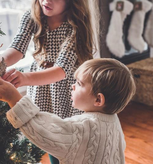 Kas laps ikka peab ilusti käituma, sest päkapikud piiluvad?