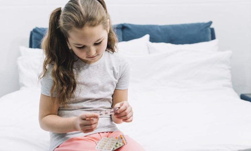 Laps neelas midagi mürgist - kas aktiivsöest on abi?